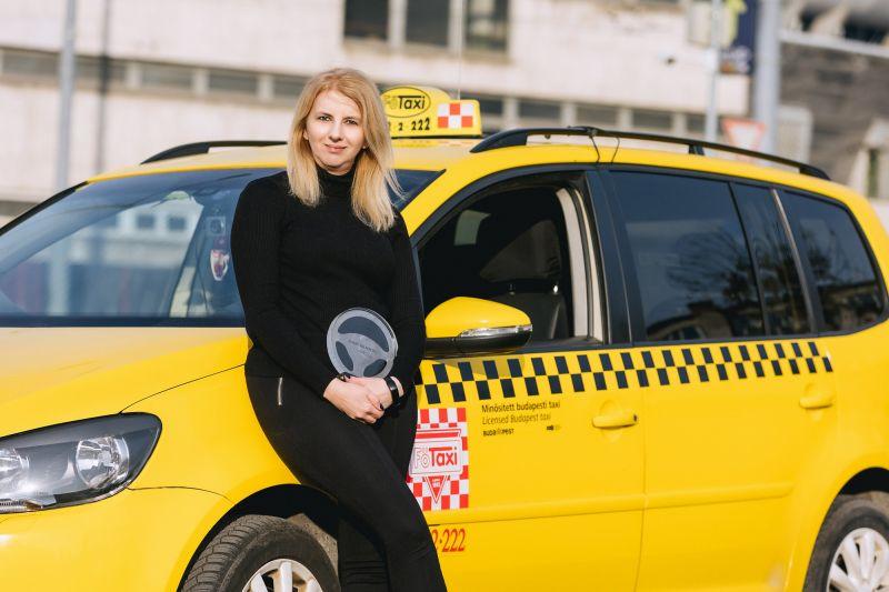 fotaxi-ev-taxisoforje-zsuzsa-2021