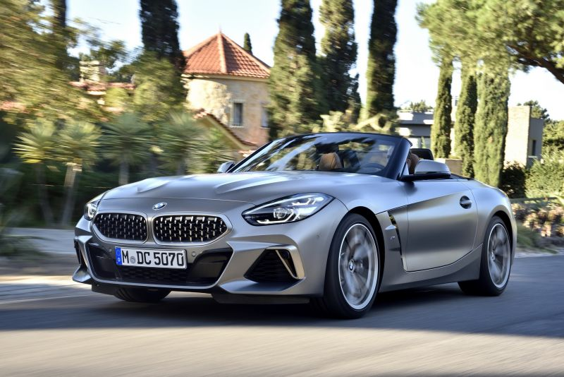 P90328290_highRes_the-new-bmw-z4-m40i-_resize
